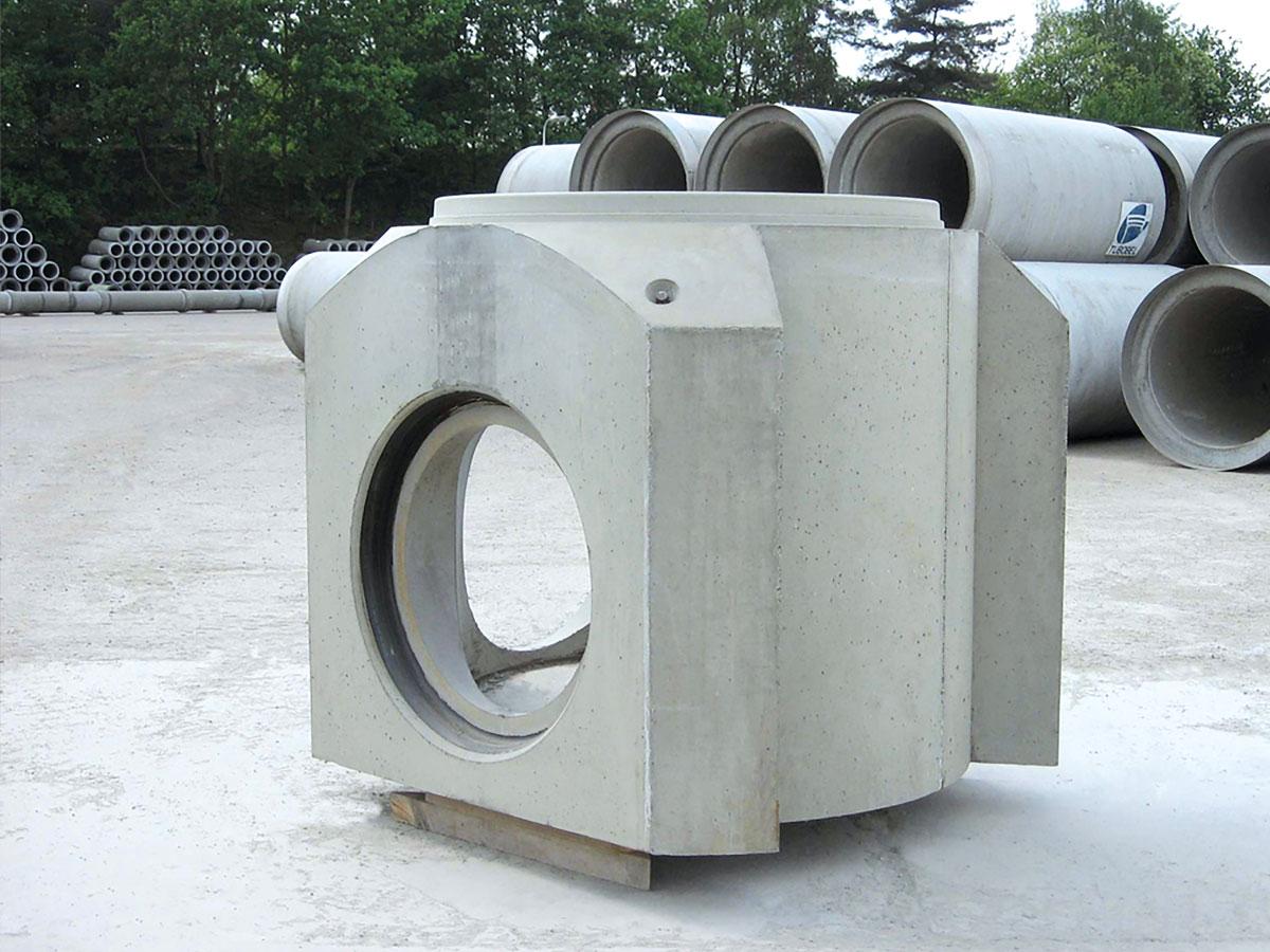 Inspectieput met glipverbinding in zelfverdichtend beton